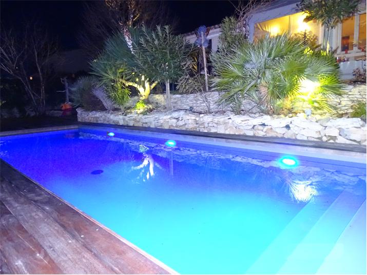 eclairage piscine savelec. Black Bedroom Furniture Sets. Home Design Ideas